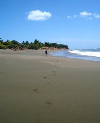 Los Santos Pedasi beach walk