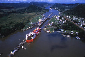 panama canal locks med