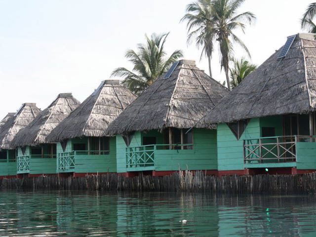 akwadup-lodge-san-blas-islands-panama-cabins