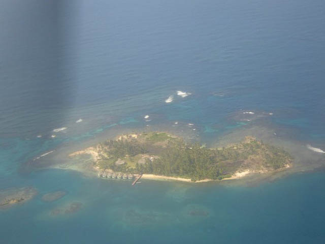 akwadup-lodge-san-blas-islands-panama-from-plane
