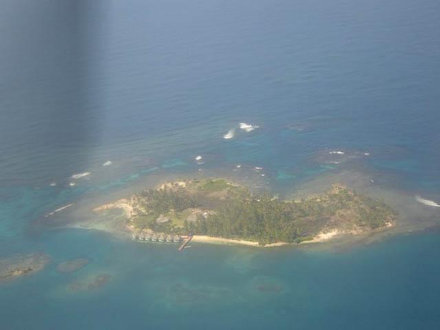 akwadup-lodge-san-blas-islands-panama-from-plane