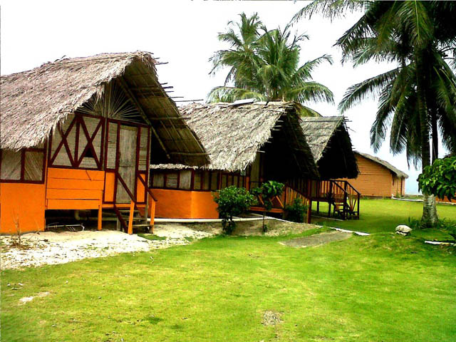 akwadup-lodge-san-blas-islands-panama-front-view