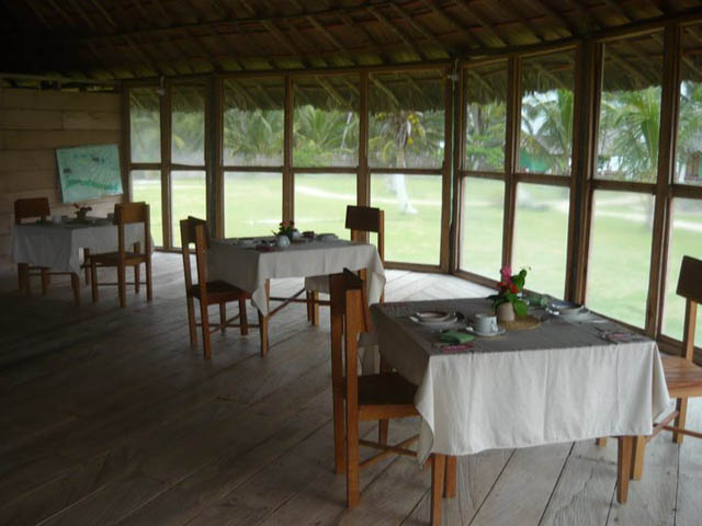 akwadup-lodge-san-blas-islands-panama-luxury-restaurant