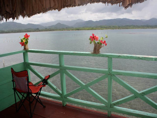 akwadup-lodge-san-blas-islands-panama-view-balcony