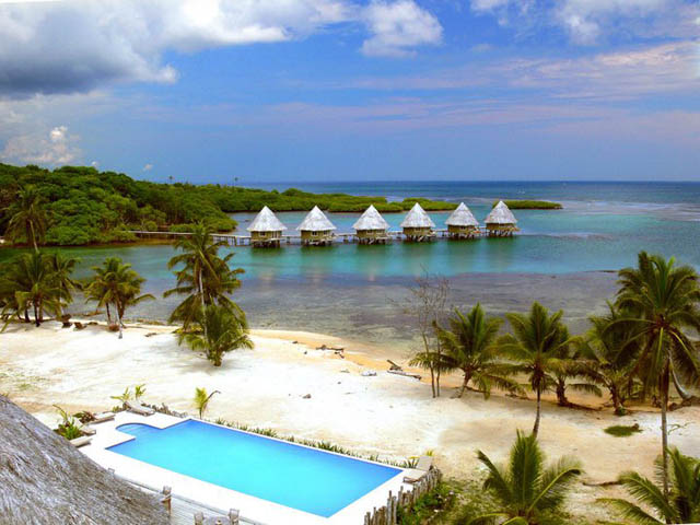 coral-eco-lodge-hotel-san-blas-islands-panama-pool