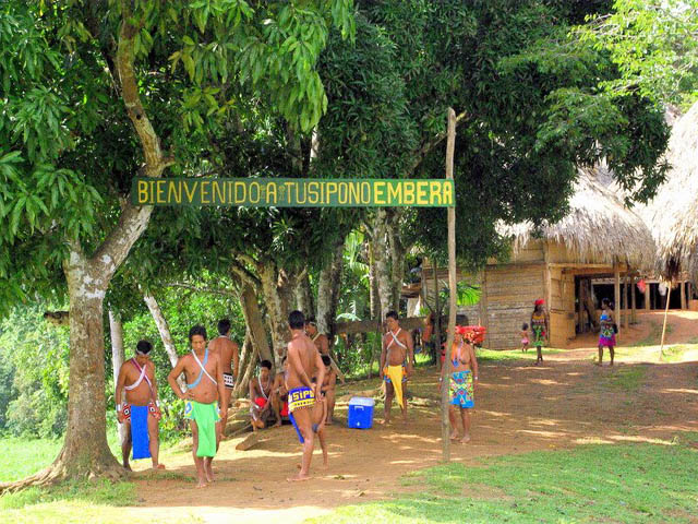 embera-village-day-tour-panama-wlelcome