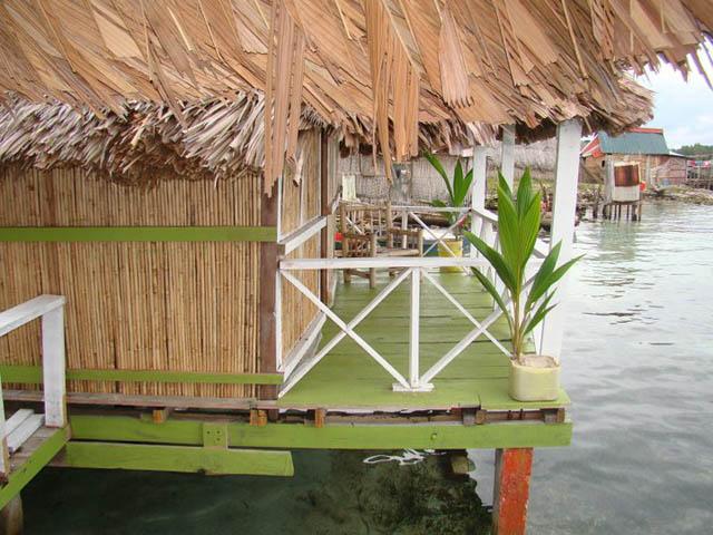 hostal-nadi-san-blas-panama-islands-balcony