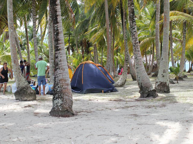 hostal-nadi-san-blas-panama-islands-camping-zone