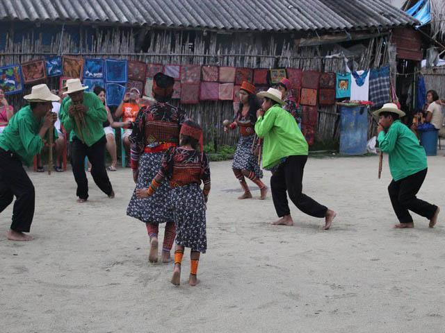 hostal-nadi-san-blas-panama-islands-culture