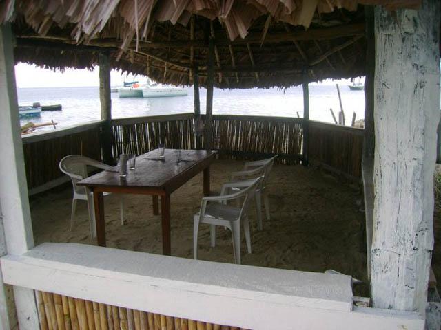 hostal-nadi-san-blas-panama-islands-restaurant