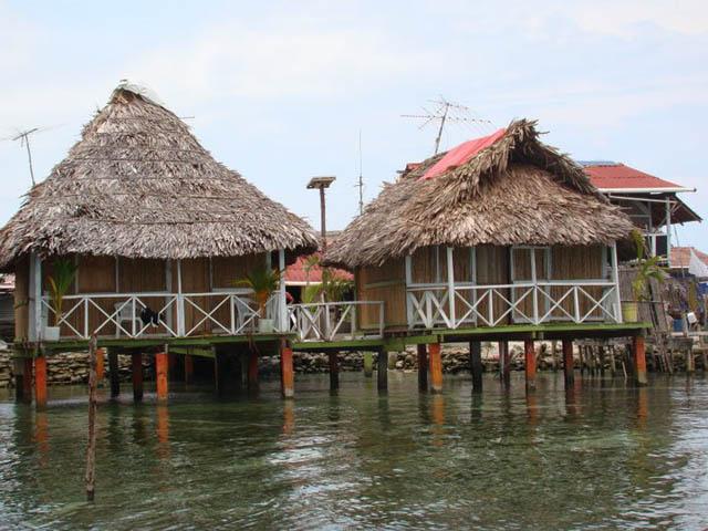hostal-nadi-san-blas-panama-islands-typical-cabanas