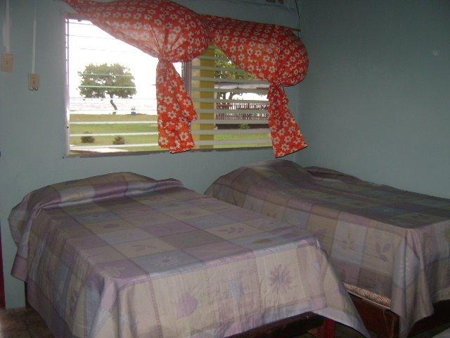 hotel-el-porvenir-san-blas-islands-panama-beach-room