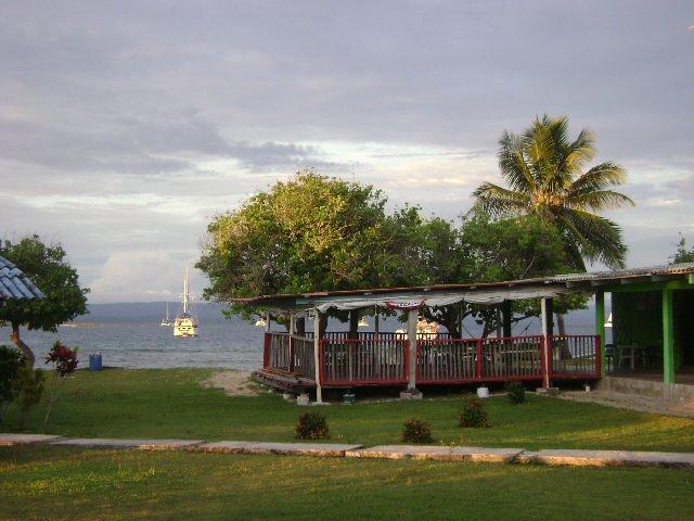 hotel-el-porvenir-san-blas-islands-panama-beach