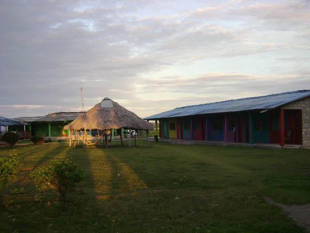 hotel-el-porvenir-san-blas-islands-panama-lunch-here