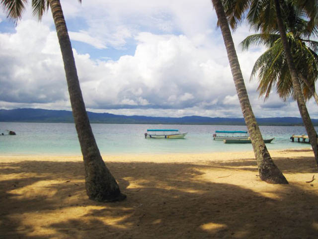isla-aguja-san-blas-islands-panama-around-beaches