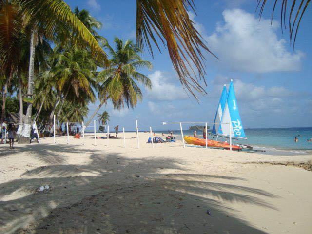 isla-aguja-san-blas-islands-panama-vela
