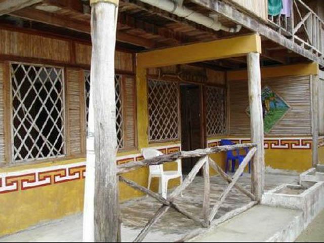kuna-niskua-lodge-san-blas-islands-panama-beach-balconi