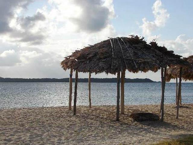 kuna-niskua-lodge-san-blas-islands-panama-beach