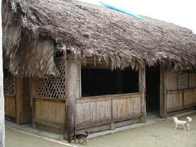 kuna-niskua-lodge-san-blas-islands-panama-kuna-typical-house