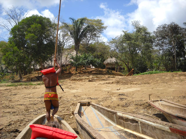 embera-village-day-tour-panama-arriving-to-the-village