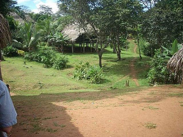 embera-village-day-tour-panama-embera-tour-village