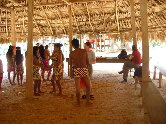 embera-village-day-tour-panama-live-the-embera-expecience