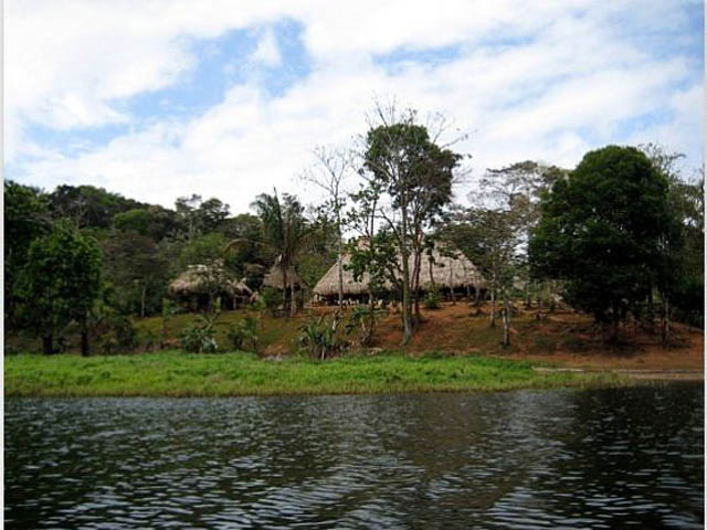 embera-village-day-tour-panama-on-the-Chagres-River