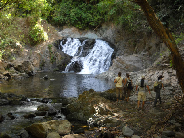 embera-village-day-tour-panama-wonderful-waterfalls