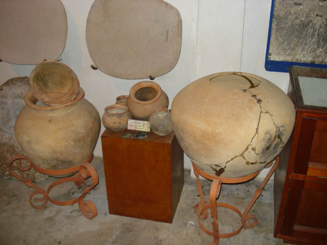 panama-el-valle-day-tour-museum-indian-pots