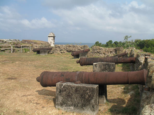 panama-san-lorenzo-gatun-locks-day-tour-San-Lorenzo-fort-Panama-day-tour