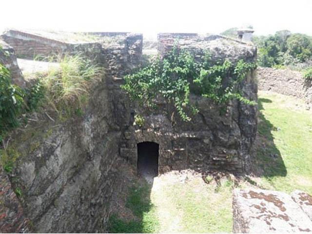 panama-san-lorenzo-gatun-locks-day-tour-fort-san-lorenzo-shot