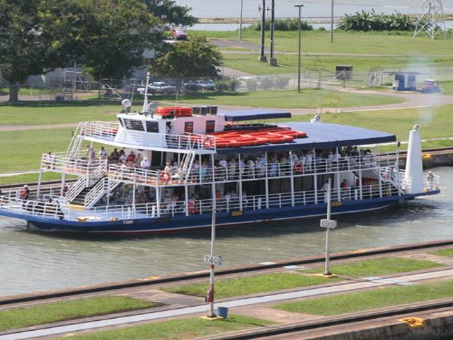 panama-Canal-Transit-Tour-panama-canal-transit-day-trip