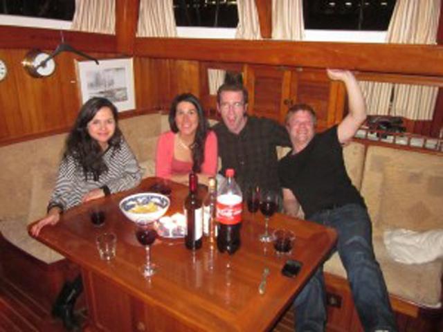 Sailing-Panama-Cartagena-San-Blas-black-df-People