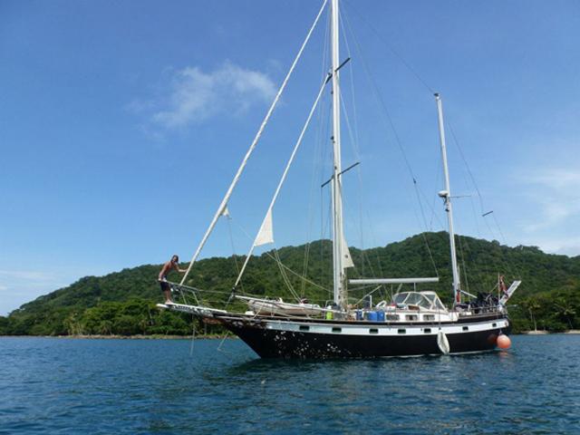 Sailing-Panama-Cartagena-San-Blas-black-df-black-dragon-boat