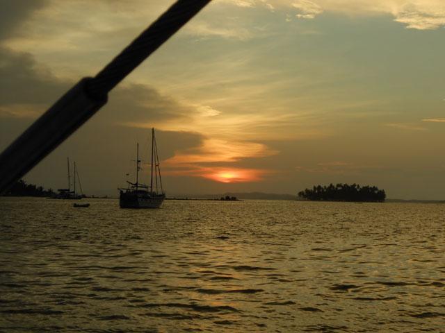 Sailing-Panama-Cartagena-San-Blas-jacqueline-sunset-from