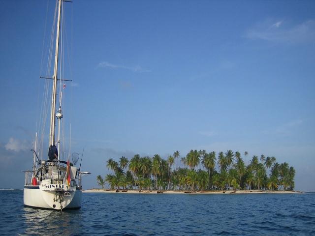 Sailing-Panama-Cartagena-San-Blas-mintaka-in-san-blas