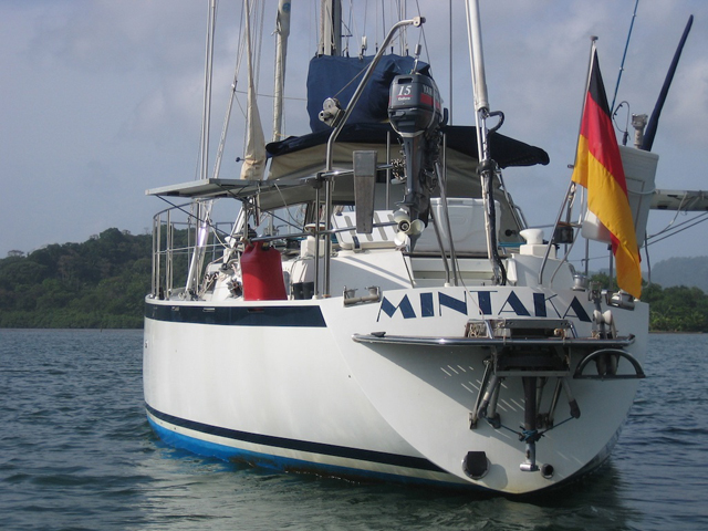 Sailing-Panama-Cartagena-San-Blas-mintaka-stern