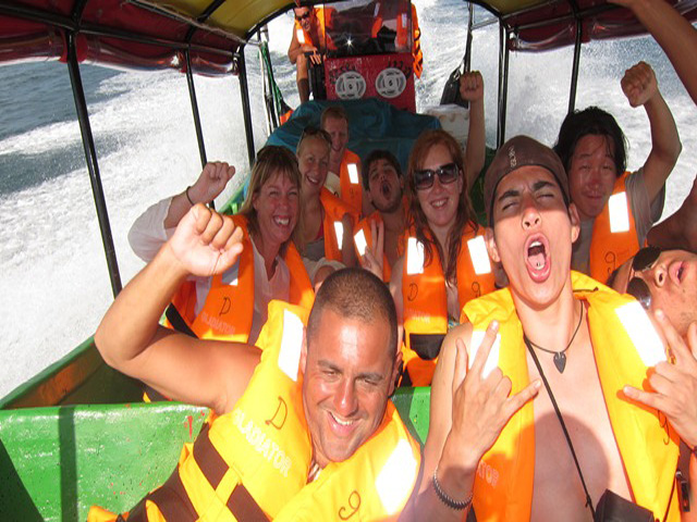 Sailing-Panama-Cartagena-San-Blas-darien-gapster-lancha