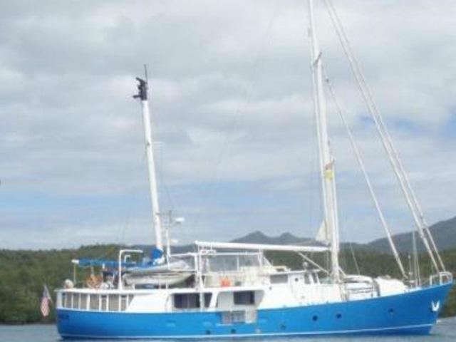 Sailing-Panama-Cartagena-San-Blas-independence-bote