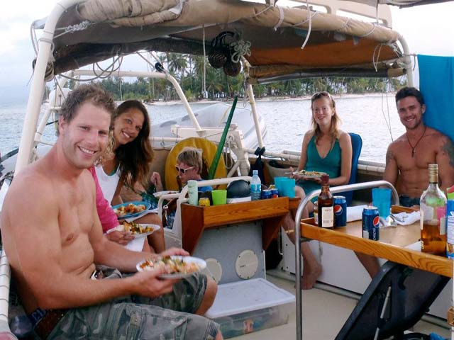 Sailing-Panama-Cartagena-San-Blas-one-world-hanging-out