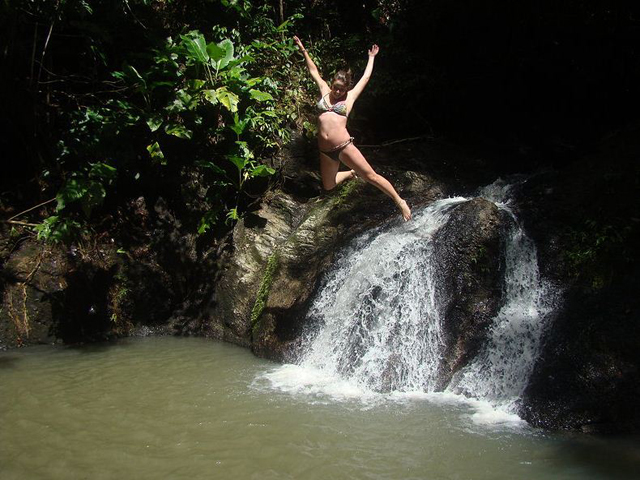 panama-Canal-Jungle-Day-Tour-waterfall