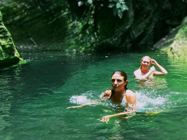 Explore Caves at Lago Bayano