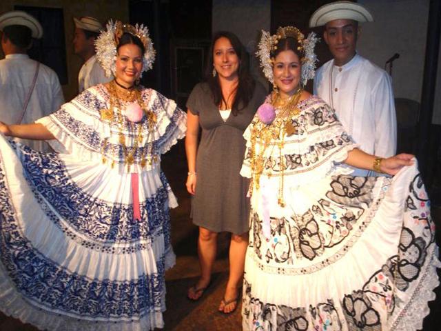 panama-cultural-dinner-restaurant-bailarinas