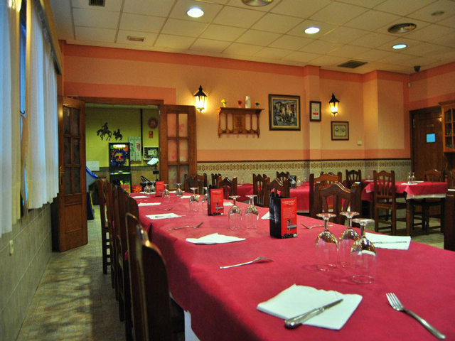 panama-cultural-dinner-restaurant-big-room