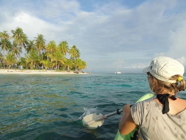 Sailing-Panama-Cartagena-San-Blas-kayack2