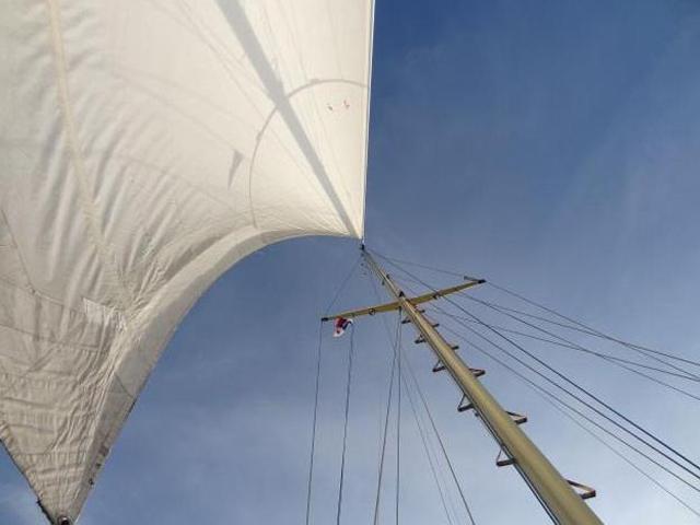 Sailing-Panama-Cartagena-San-Blas-nirvana-mast
