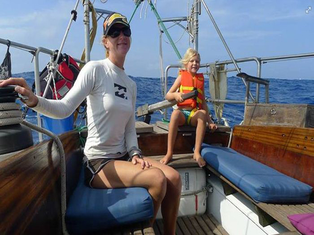 Sailing-Panama-Cartagena-San-Blas-on-board