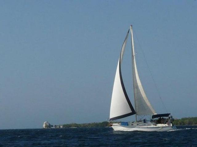 Sailing-Panama-Cartagena-San-Blas-sailing-tango