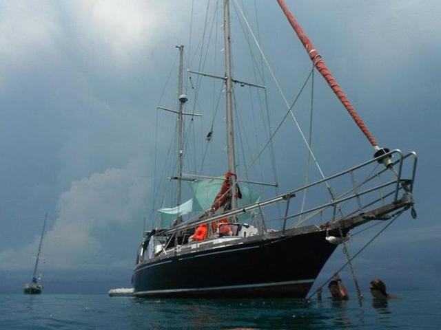 Sailing-Panama-Cartagena-San-Blas-the-boat