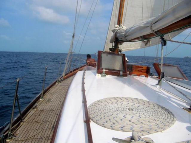 Sailing-Panama-Cartagena-San-Blas-the-boat2